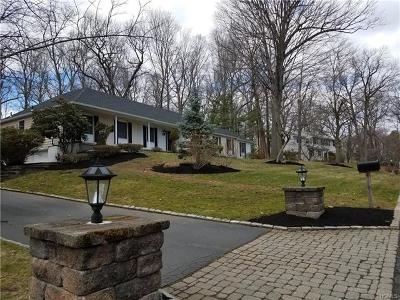 West Nyack Single Family Home For Sale: 4 Marten Drive