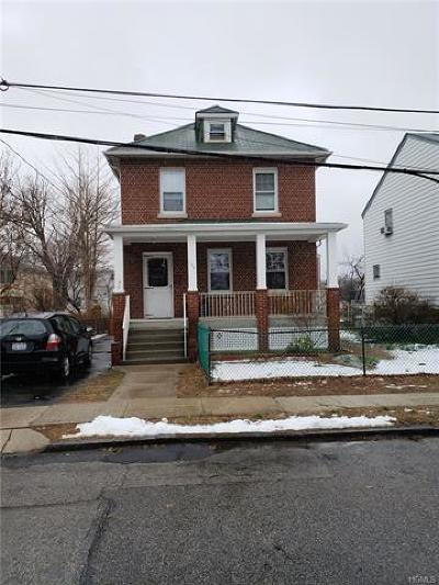 Yonkers NY Single Family Home For Sale: $400,000