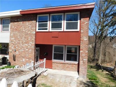 Peekskill Condo/Townhouse For Sale: 164 Rolling Way
