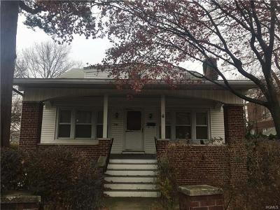 Bronx Single Family Home For Sale: 596 Minnieford Avenue