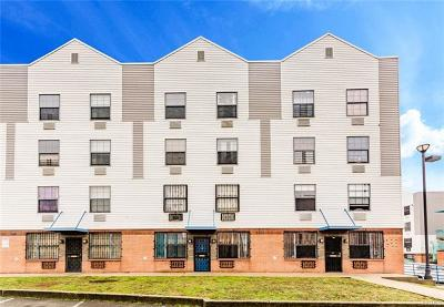 Bronx Condo/Townhouse For Sale: 772 Brook Avenue #35A