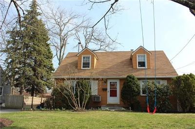 Westchester County Single Family Home For Sale: 42 Iroquois Road