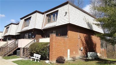 Condo/Townhouse Contract: 51 Heritage Drive #E