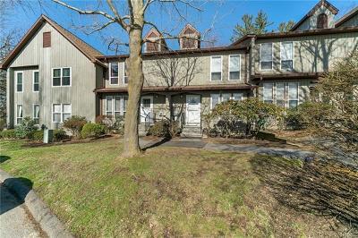 Peekskill Condo/Townhouse For Sale: 22 Elmwood Circle