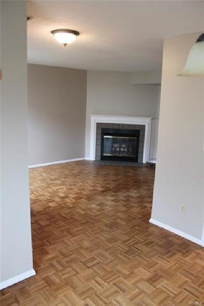 Chester Condo/Townhouse For Sale: 2719 Whispering Hills