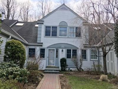 White Plains Single Family Home For Sale: 27 Brook Hills Circle