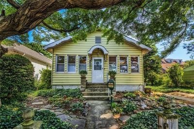 Bronx Single Family Home For Sale: 412 Minnieford Avenue