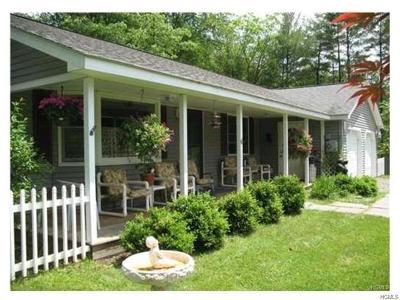 Barryville, Woodridge Single Family Home For Sale: 6 Harder Road