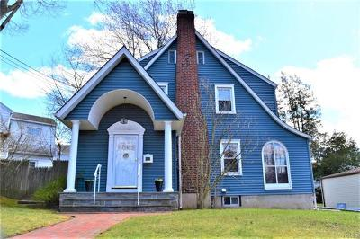 White Plains Single Family Home For Sale: 30 Park Circle
