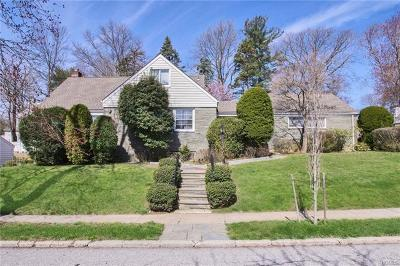 Yonkers Single Family Home For Sale: 81 Lasalle Drive