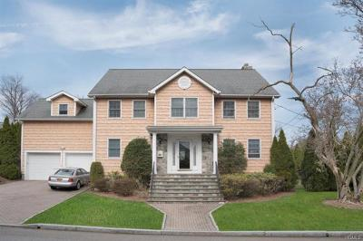 Eastchester Single Family Home For Sale: 118 Highland Avenue