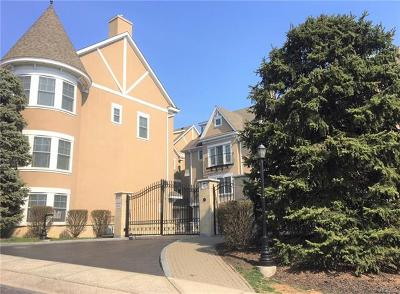 New Rochelle Condo/Townhouse For Sale: 80 Old Boston Post Road #18