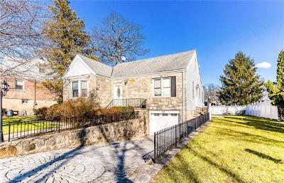 Yonkers Single Family Home For Sale: 34 Aka 32 Custer Avenue