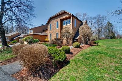 Yorktown Heights Condo/Townhouse For Sale: 262 Beechwood Lane
