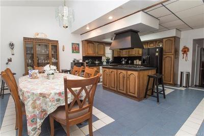 Single Family Home For Sale: 3190 Ampere Avenue