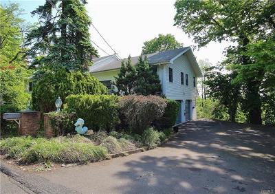 Single Family Home For Sale: 12 Lindbergh Lane