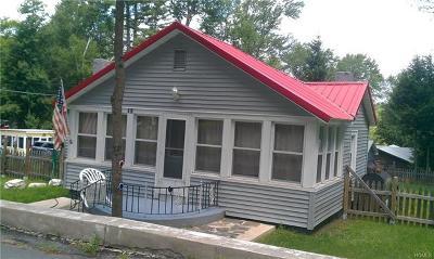 Smallwood Single Family Home For Sale: 40 West Oak Street