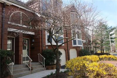 Condo/Townhouse Sold: 290 Treetop Circle
