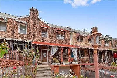 Bronx NY Single Family Home For Sale: $525,000