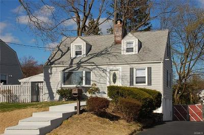 White Plains Single Family Home For Sale: 86 County Center Road