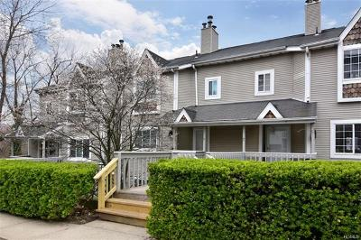 Westchester County Condo/Townhouse For Sale: 33 Windle Park #D