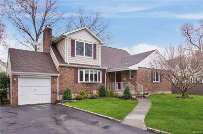 Scarsdale Single Family Home For Sale: 9 Hawthorne Close