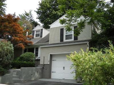 White Plains Single Family Home For Sale: 14 Saxon Woods Pk Drive