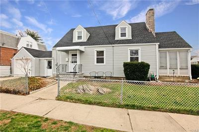 Yonkers Single Family Home For Sale: 55 Crestmont Avenue