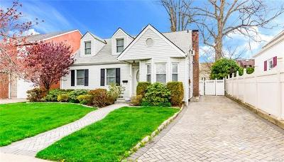 Yonkers Single Family Home For Sale: 25 Holly Street