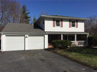 Rockland County Single Family Home For Sale: 1 Great Oaks Drive