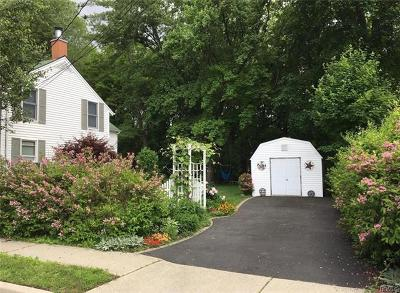 Warwick Single Family Home For Sale: 48 Orchard Street