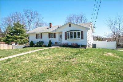 Middletown Single Family Home For Sale: 8 Renfrewshire Drive