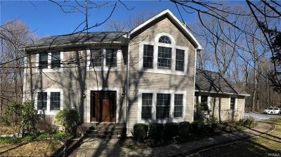Westchester County Single Family Home For Sale: 49 Sunset Lane