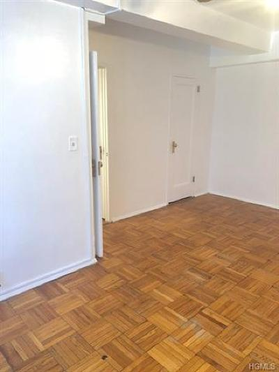 Bronx Condo/Townhouse For Sale: 1420 Wood Road #2D