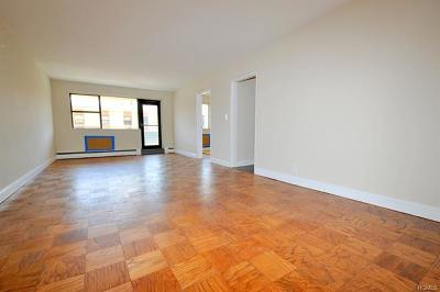 Yonkers Co-Operative For Sale: 1523 Central Park Avenue #2D