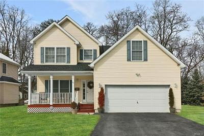 Dutchess County Single Family Home For Sale: 24 Whittier Boulevard