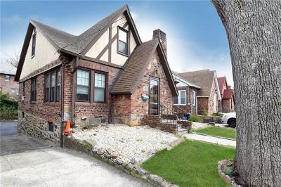 Yonkers Single Family Home For Sale: 74 Aka 82 Joan Drive