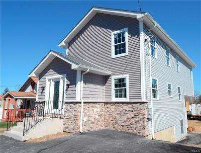Middletown Single Family Home For Sale: 14 Anthony Street