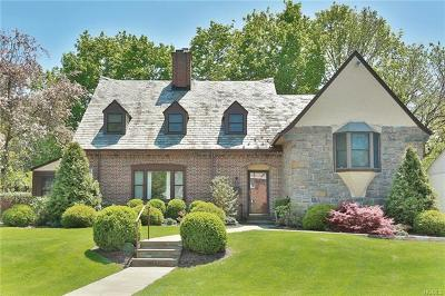 New Rochelle Single Family Home For Sale: 32 Disbrow Circle