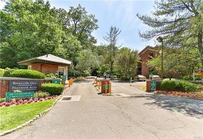 Bronxville Condo/Townhouse For Sale: 24 Bronxville Glen Drive #4-15