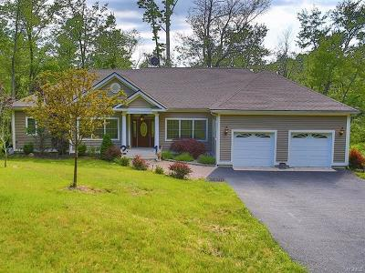 Monroe Single Family Home For Sale: 21 Old Quaker Hill Road