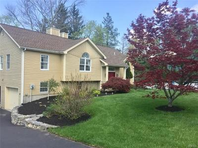 Mohegan Lake Single Family Home For Sale: 1310 Sunny Ridge Road