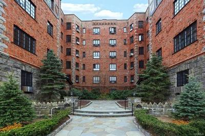 Yonkers Condo/Townhouse For Sale: 45 Pondfield Road