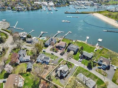 Mamaroneck Single Family Home For Sale: 527 Shore Acres Drive