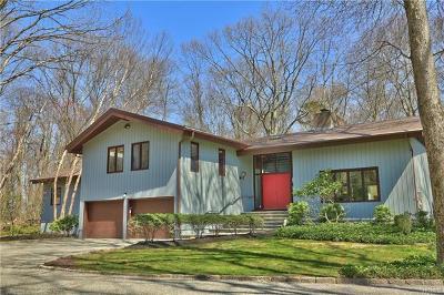 Chappaqua Single Family Home For Sale: 70 Kerry Lane