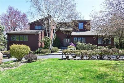 Irvington Single Family Home For Sale: 60 West Butterwood Lane
