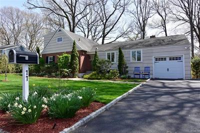 New Rochelle Single Family Home For Sale: 77 Bayberry Lane
