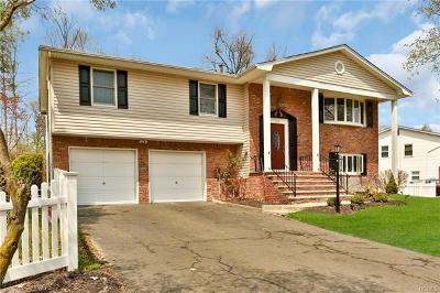 Nanuet Single Family Home Sold: 24 Lake Nanuet Drive