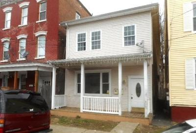 Multi Family 2-4 For Sale: 27 Division Street