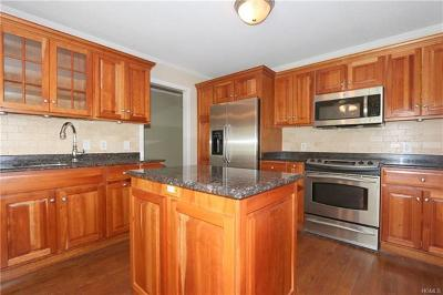 Somers Condo/Townhouse For Sale: 200 Heritage Hills #B